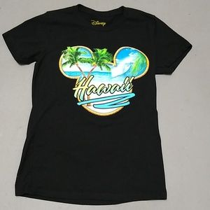 Disney Hawaii black graffics Tee shirt,